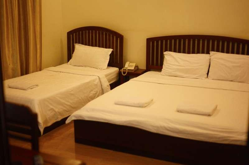 room1uk.jpg